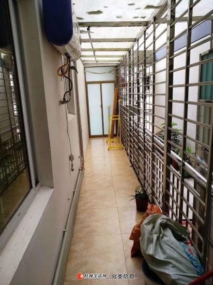 七星区三里店明珠花园电梯精装一房一厅50平1800元