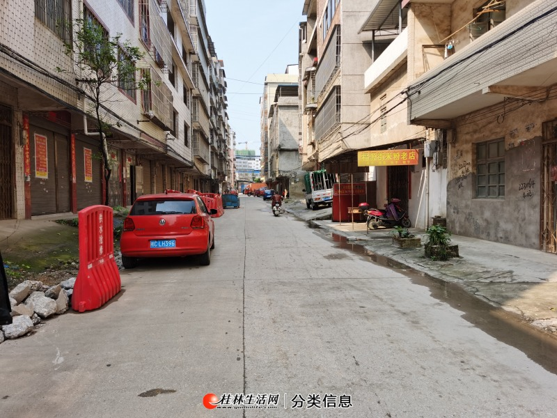 S桂林灵川福源街整栋出售,占地100平方