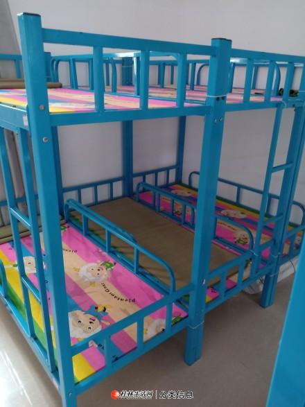 转让六床双层铁架床午托床