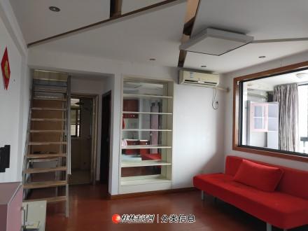 中隐路广源国际电梯11楼复式,1室1厅,精装修,家电家具齐全,附实图
