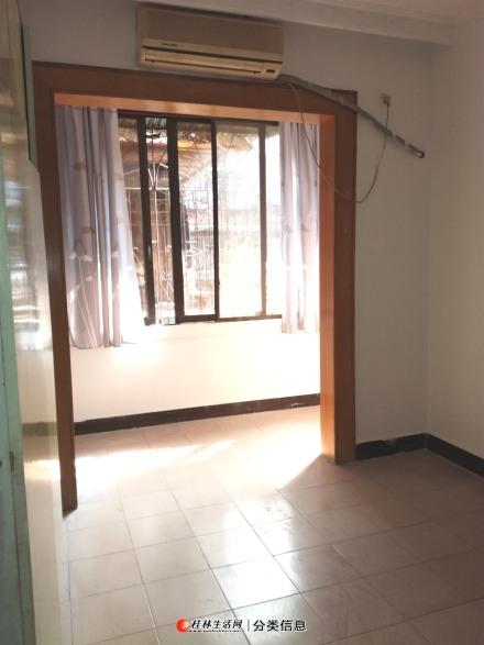 整租太平路4楼3房1厅1卫,1700元/月