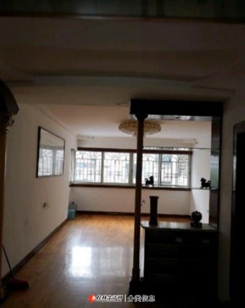 甲天下广场旁 施家园广电宿舍3楼 精装3室2厅,户型方正  南北通透