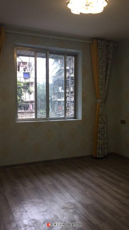 逸仙中学附近 2房一厅二楼精装修37万提包入住