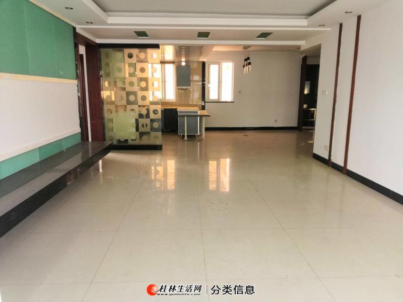 三里店 龙隐小学恒祥花园 3房2厅2卫 153平电梯11楼仅128万