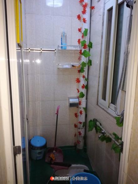 整租:微笑堂旁二楼3房1厅1800元/月每个房间都有空调调有