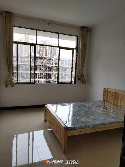 临桂县仕通路精通国际旁单间配套、三房一厅房屋出租(中介勿扰)