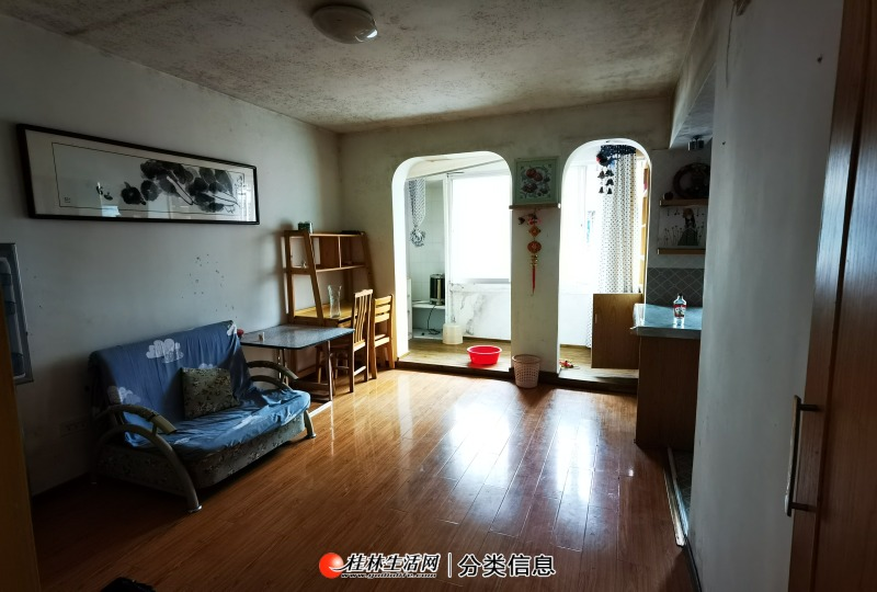 秀峰区三多路市中心1房1厅家电家具齐全拎包入住