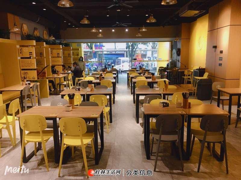 网红店出租  七星区施家园路口180平餐饮店找老板