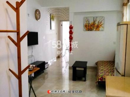 明珠花园 B区  电梯房  1室1厅1卫56平米1800元