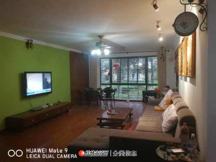 叠彩区芳华路东晖星城小区4房2厅160㎡大户型,带30㎡花园,96万(房东出售)