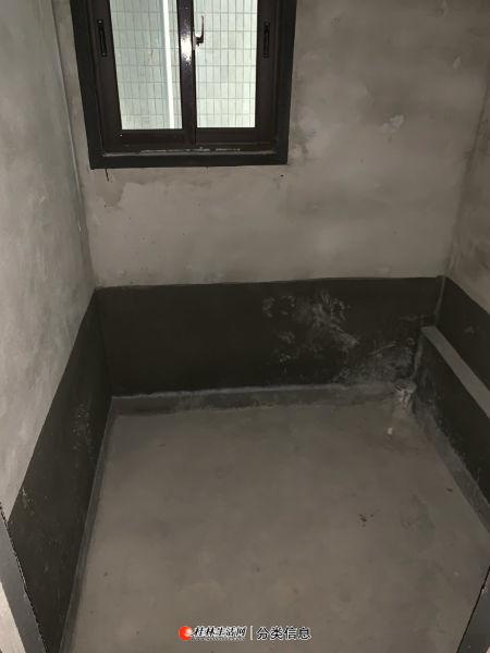 漓江郡府银桂府 养生2楼 清水 2房2厅 适合老人家养老使用