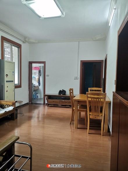 桂林市秀峰区九岗岭小区2楼3房1厅90平方米家电齐全精装修有真实照片参考