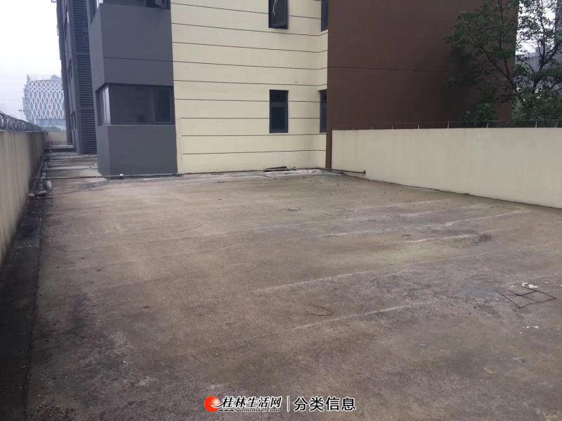 L带100平露台 清华园 华润 中隐小城 大龙湾 荣和林溪府清水115平 有车位