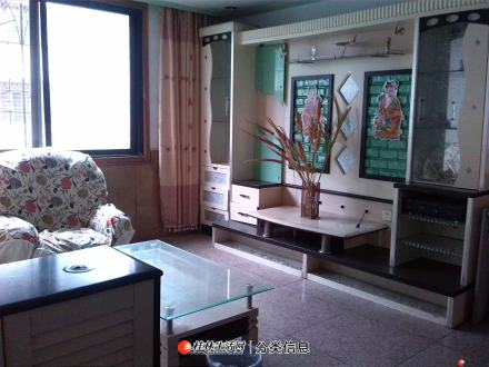 航天苑小区  126平米三房两厅 2000元/月 诚意出租!!!