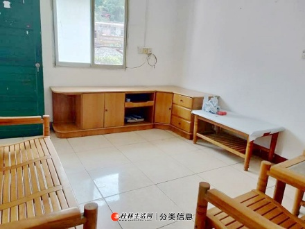 医学院 桂中附近 西凤路 3楼 一房一厅带空调洗衣机冰箱租650元
