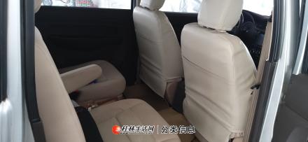 15年9月五菱宏光s 排量1.5  中央空调  中间独立座椅 带商业险 一手车6万公里 车况好