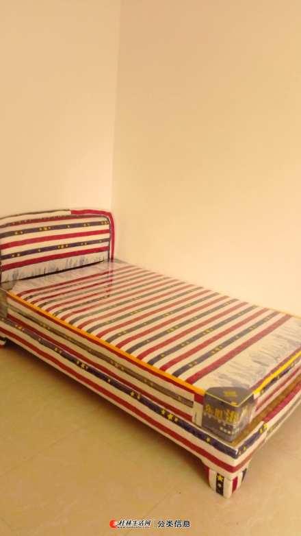 转让三张全新1米2床带床垫