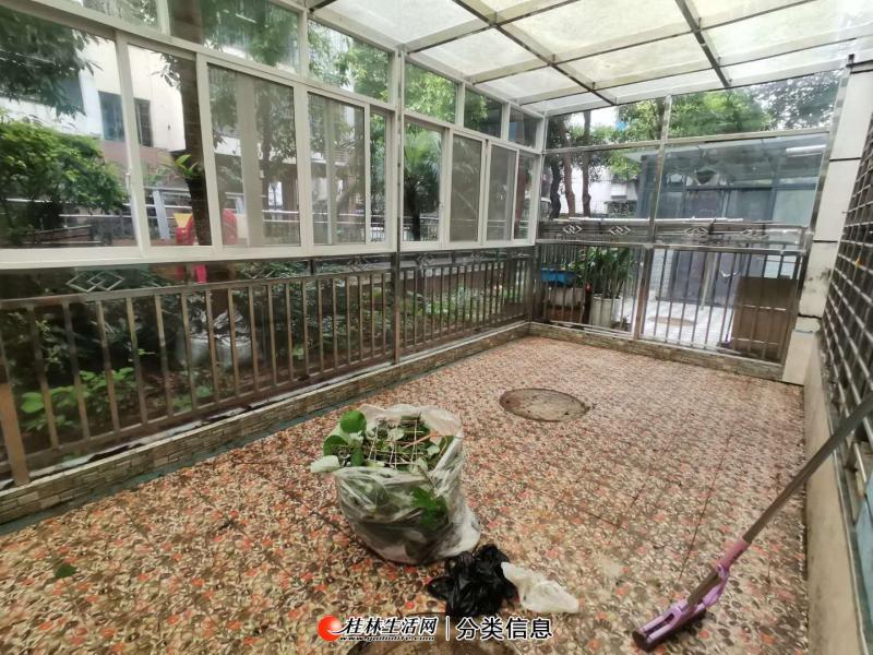X象山区 上海路益佳苑 龙船坪中央尊馆旁 一楼带花园