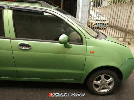 奇瑞QQ小轿车5座6千元转让包过户