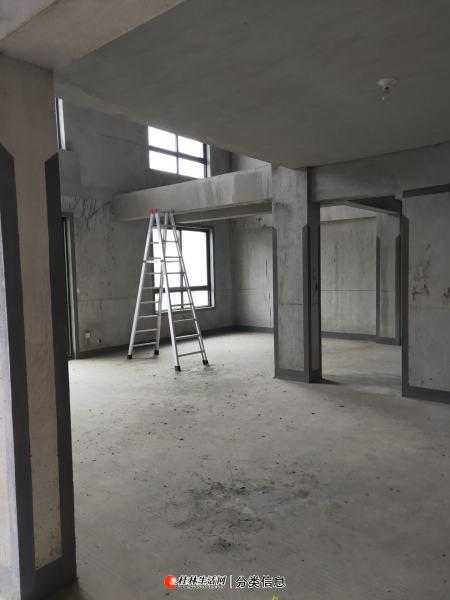 西山小学,广源国际电梯11楼3层复式,户型方正,南北通透,带大露台