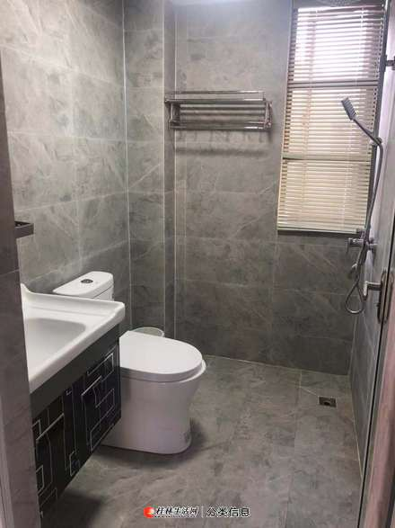 L象山区龙光普罗旺斯3室2厅2卫出租2200/月