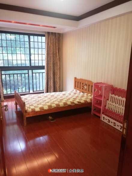 中隐路广源国际小区1楼130平方3房2厅2卫豪华装修