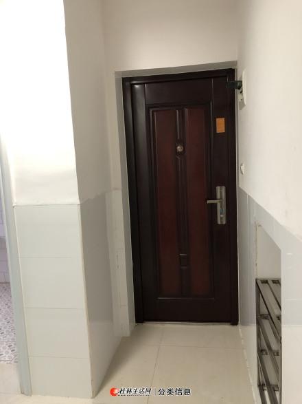 七星区 甲天下广场附近 观光酒店旁 一房一厅(饭厅) 出租