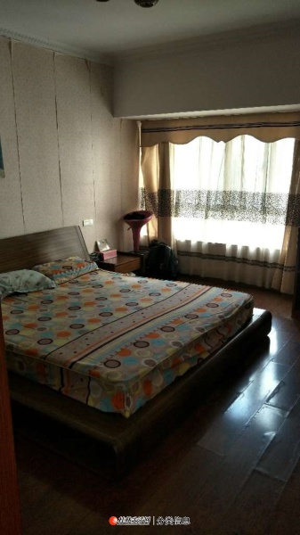 L象山区安厦世纪城安怡园4室2厅2卫3000/月