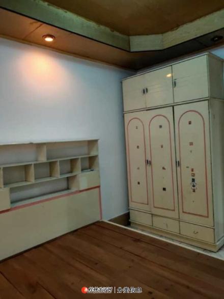 L象山区流行巷口2室2厅出租900/月