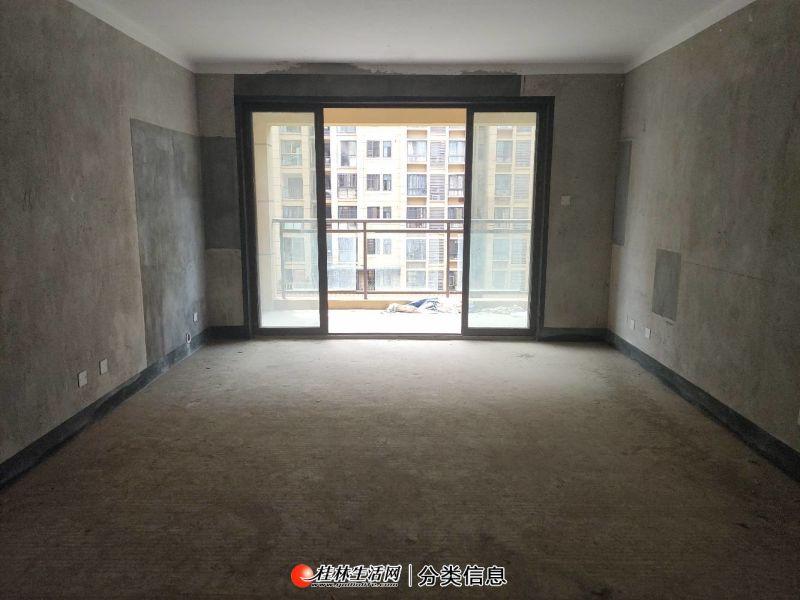 万达华府 电梯7楼 送车位价格可谈 英才小学 楼下万达广场