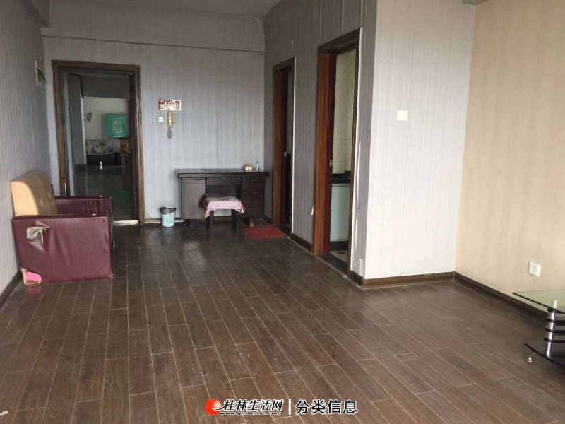 出售金马大厦电梯11楼1房1厅60平52万