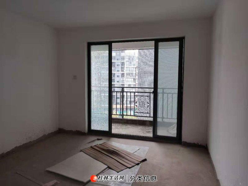 耀和荣裕电梯8楼,3室2厅,户型方天,带大阳台和入户花园,送地下车位