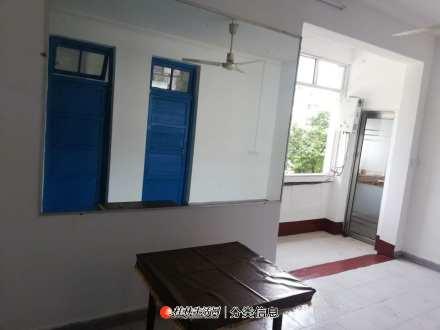 芦笛小区3房2厅,带杂物房, 家具齐全, 房东出租