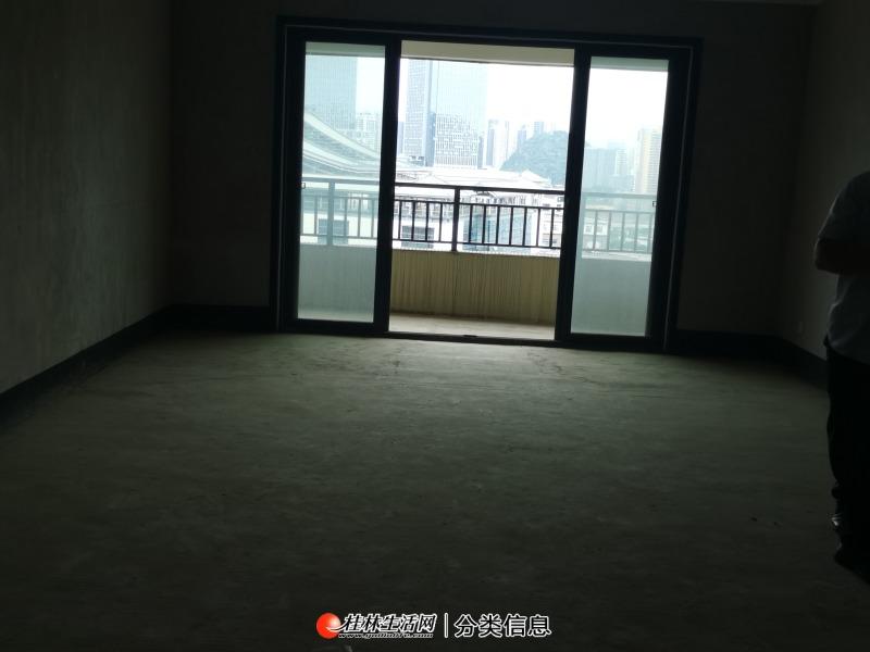 临桂彰泰公园一号大三房,正看一院两馆