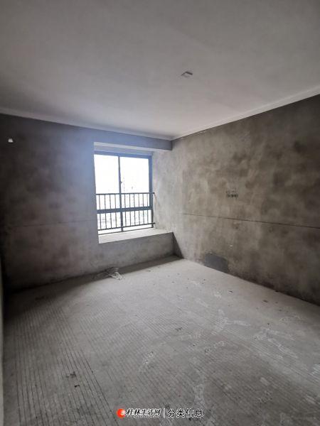 联发欣悦 电梯顶层复式210平米 带双露台 送车位