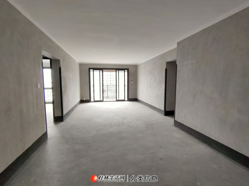 万达广场旁,彰泰天街电梯6楼,户型方正,南北通透,厅大房大,高赠送面积,送车位