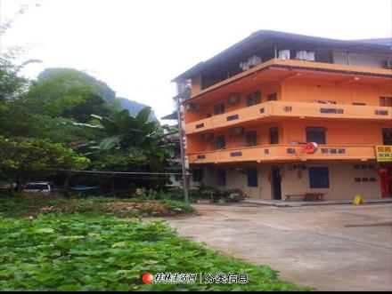 整栋房屋出租,共10个房间,11个卫生间,3个厅,月租金3000元/月