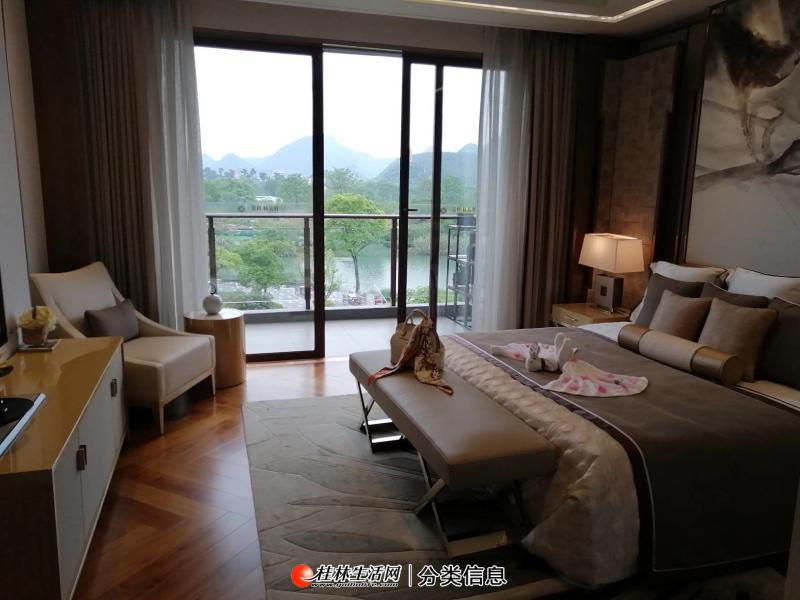 象山区万福路东方庭院龙光玖珑别院联排别墅105平到146平