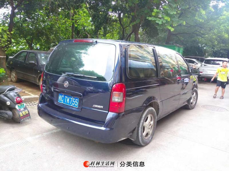 别克GL8非常好的局领导用私家车无事故原漆过户车
