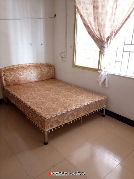 彭家岭一房一厅出租。