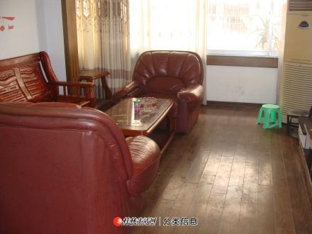 非中介 西山公园旁 3房1厅2楼家电齐全 求合租