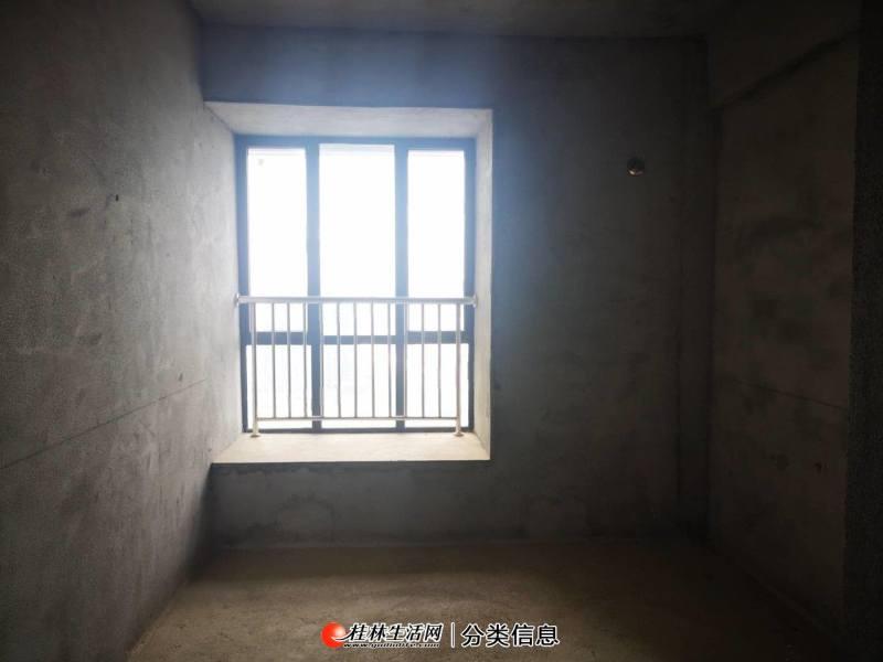 三祺澜湖国际内部员工价大五房141平赠送43平