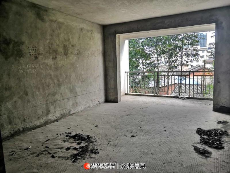三元极第 3楼 82平米 2房2厅2卫2阳台 满五唯一 30万