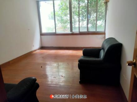 C七星区 樱特莱一栋别墅出租 三层别墅 办公出租 250平米 5房有露台 4800元/月