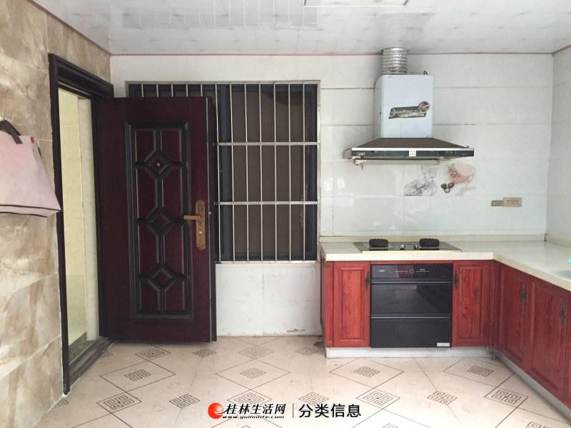 桂林江上御都小区4房2厅4卫家具俱全