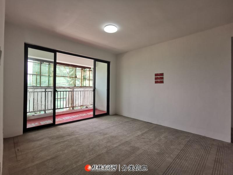 (新楼盘)桂北商圈 白马商城旁 公园悦府  3房2厅  南北通透