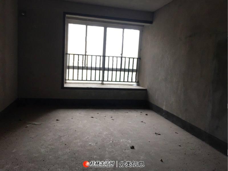 象山区联达山与城电梯清水3房110平不靠路边 万福广场兴进嘉园旁