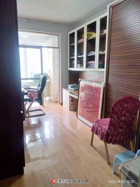 w七星区公园绿涛湾 龙隐小学旁 养生一楼 3房2厅2卫 一梯二户