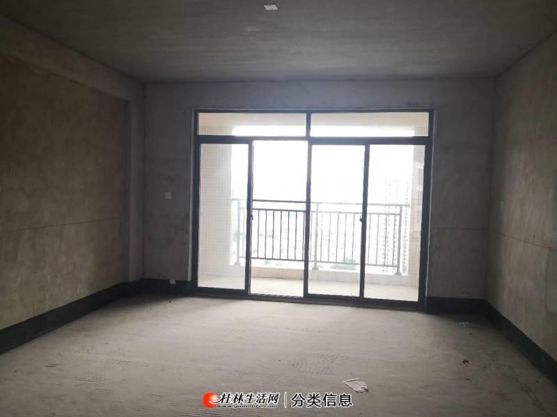 奥林匹克花园3房2厅2卫120平米南北通透 带车位售价75万