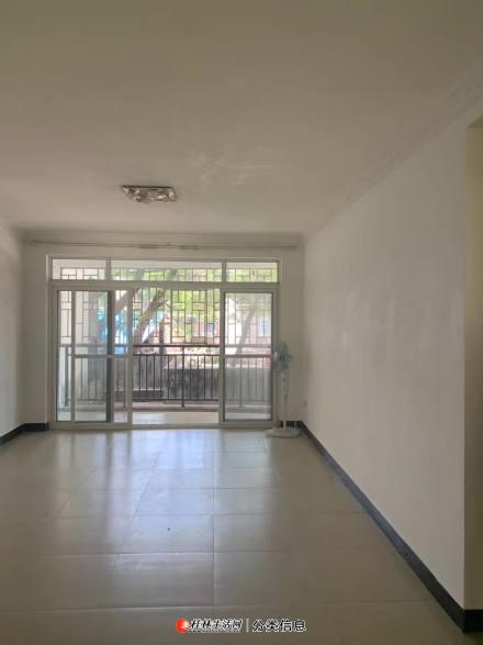 叠彩区芦笛华庭2房2厅1卫,84平,芦笛小学,2008年,2楼